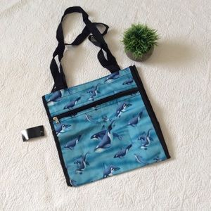 Handbags - NWT dolphin insulated zipper lunch tote